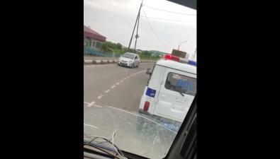 В Томаринском районе грузовик сбил велосипедиста