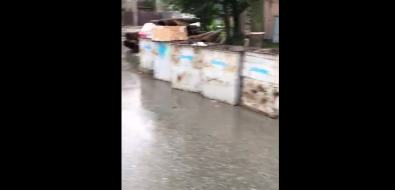 Жильцы домов попроспекту Победы вЮжно-Сахалинске какбудто игнорируют мусорные баки