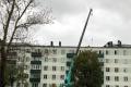 Испорченную пожаром крышу пятиэтажки вАлександровске-Сахалинском отремонтируют задва месяца
