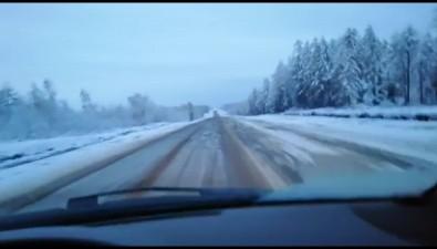 Снег, выпавший наСахалине, ещерастает