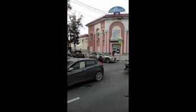 Четыре автомобиля столкнулись в200 метрах отЛенина вЮжно-Сахалинске