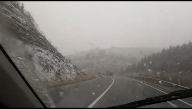 Холмский иЛовецкий перевалы засыпает снегом
