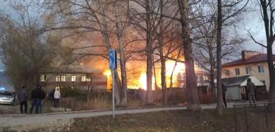 Два многоквартирных дома загорелись вБерезняках