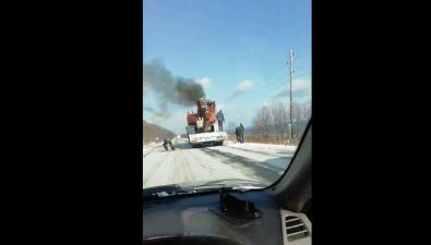 В Макаровском районе натрале загорелся экскаватор