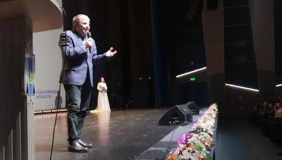 Правительство поздравило сахалинских матерей песней отзампреда Сергея Наумова