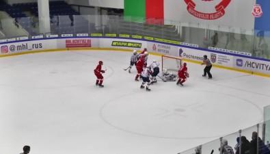 """Дед Мороз неподарил """"Сахалинским акулам"""" победу впоследнем матче года"""