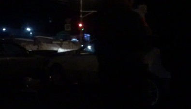 Два автомобиля столкнулись наперекрестке вНово-Александровске
