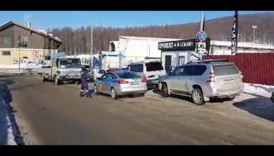 """У """"Горного воздуха"""" традиционно эвакуируют автомобили сахалинцев"""
