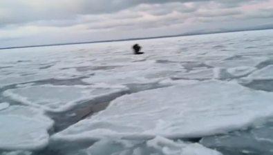 Сахалинские рыболовы ходят потонкому льду впервый рабочий день 2020 года