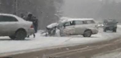 На трассе между Соловьевкой иДачным столкнулись несколько автомобилей