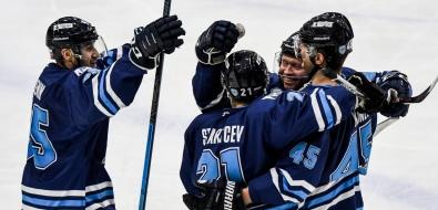 "Хоккеисты ""Сахалина"" оказались вшаге отвыигрыша регулярного чемпионата АХЛ"