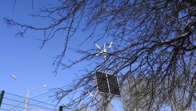 Спортивная площадка южно-сахалинской гимназии №2 теперь освещается благодаря энергии Солнца иветра