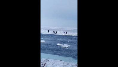 В Поронайском районе оторвало ледс рыболовами-любителями