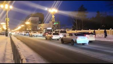 Светофор наперекрестке Компроспект— Комсомольская вызвал пробки