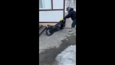 На Сахалине инспекторы ГИМС спасли нерпу