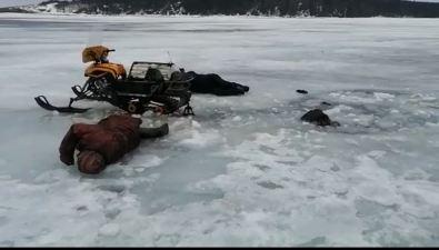 """Трое сахалинцев чуть не""""самоизолировались"""" подо льдом озера Изменчивого"""