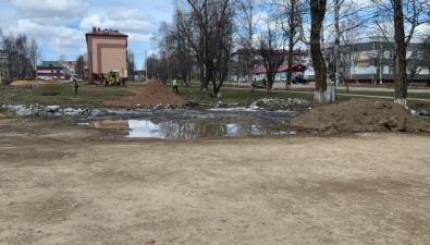 В Тымовском повторому кругу благоустраивают сквер за10 миллионов