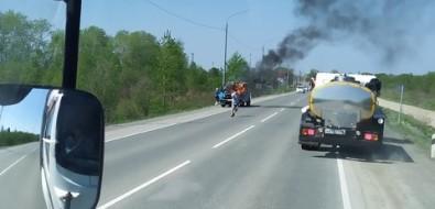 На въезде вСокол загорелся УАЗ