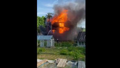 """В """"Земляничных холмах"""" сгорел дом"""