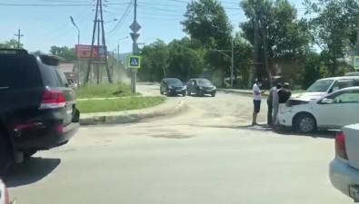 В Южно-Сахалинске вДТП сильно пострадал легковой автомобиль
