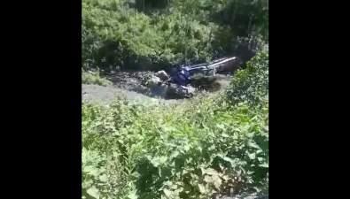 На Сахалине пострадал водитель бензовоза, улетевшего сперевала