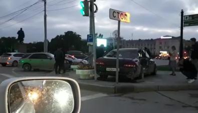 Два авто попали вДТП наЛенина