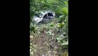 Сахалинец обнаружил влопухах разбитый Nissan Bluebird