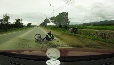 Водитель Mitsubishi Pajero сбил велосипедиста надороге вЛуговое