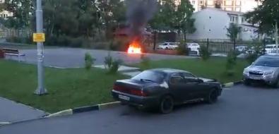 Подростки сожгли мопед водном издворов Южно-Сахалинска