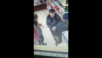 В Южно-Сахалинске ищут мужчин, укравших пянсе икофе