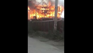 На улице Кирпичной вЮжно-Сахалинске сгорел нежилой дом