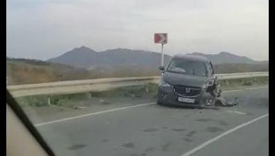 Два автомобиля лобв лобстолкнулись вМакаровском районе