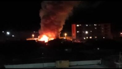 В Поронайске сгорел дом