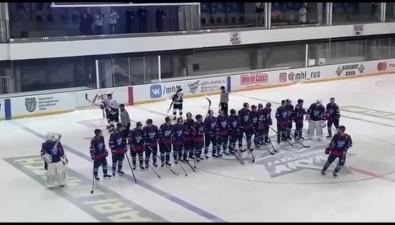"""""""Сахалинские акулы"""" выгрызли победу упитерских хоккеистов всерии буллитов"""