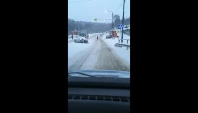 Три машины столкнулись накорсаковской трассе