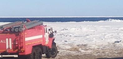 В Макаровском районе вморе унесло льдину срыбаками