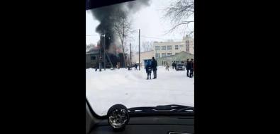 ВСмирных огонь охватил расселенный барак