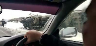 Натрассе изСтародубского во Взморье автомобили уходят сдороги