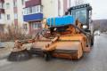 ВЮжно-Сахалинске чистят внутриквартальные проезды