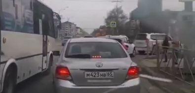 Водитель южно-сахалинского автобуса запроезд накрасный будет наказан дважды
