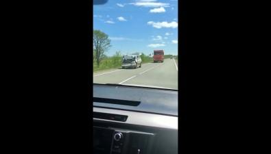 Кроссовер ипикап столкнулись вМакаровском районе
