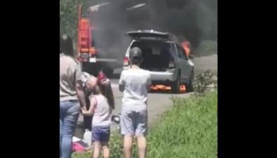 Автомобиль вспыхнул наулице Первомайской вПоронайске