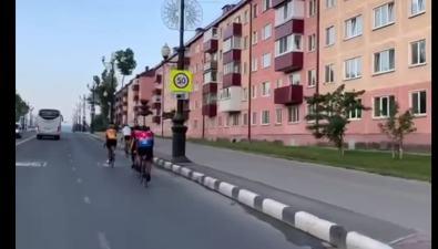 Министр здравоохранения РФ проехал почти 14 км навелосипеде поЮжно-Сахалинску