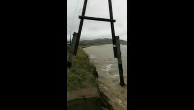 НаСахалине подмыло железнодорожные пути иэвакуируют села