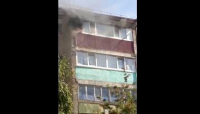 Пожар выгнал наулицу жильцов пятиэтажки вНово-Александровске