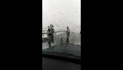 Двое полицейских пострадали ваварии сбольшегрузом вМакаровском районе