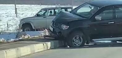 Пикап оказался разбит испереди, исзади после аварии вКрасной Тыми