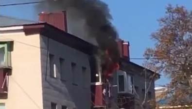 Пожар вспыхнул водном издомов Корсакова
