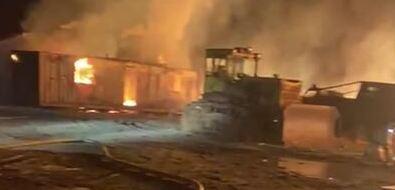 Пожар нарыборазводном заводе тушат вМакаровском районе