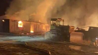 Пожар нарыбоводном заводе тушат вМакаровском районе